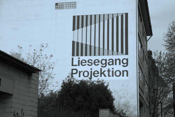 Liesegang-Wort-Bildmarke auf einer Hauswand